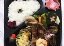 懐石焼肉弁当(上)2150円