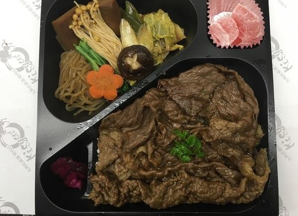 懐石ロースすき焼き弁当 2150円